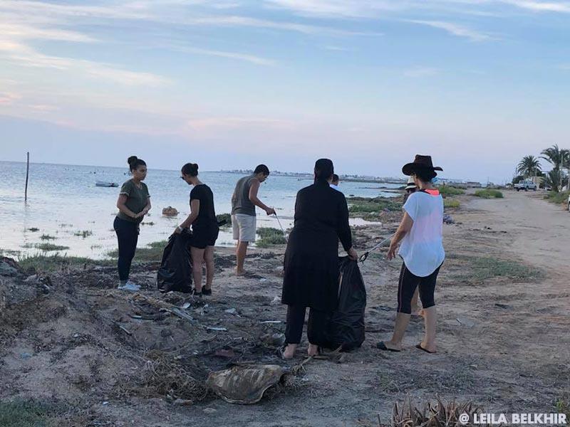 5-minutes-beach-clean-up03.jpg