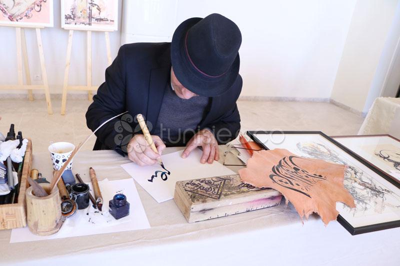 En vidéo : Rencontre avec Tarek Abid, pour découvrir l'art de la calligraphie arabe