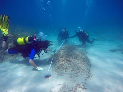 La découverte de la ville engloutie de Néapolis sous la mer