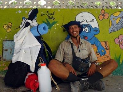 Il l'a fait, 300 Km à pied pour nettoyer 30 plages