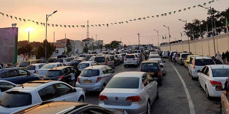 Des milliers de touristes algériens se dirigent vers la Tunisie pour les fêtes de fin d'année