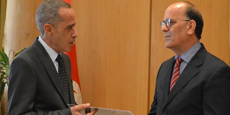 سفير الجزائر الجديد في تونس يسلم أوراق اعتماده