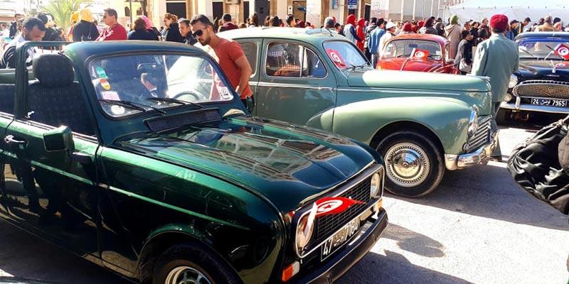 Sfax : une exposition des voitures d'antan qui ont fière allure !