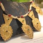 Photos des bijoux de la femme rurale au pavillon-musée du salon de l'artisanat