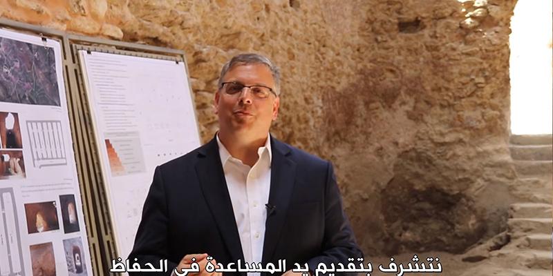 En vidéo, l'ambassadeur américain savoure la viande à la gargoulette à Tozeur