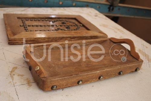 L 39 artisanat du bois de palmier nefta un m tier ancestral for Meuble artisanal tunisien