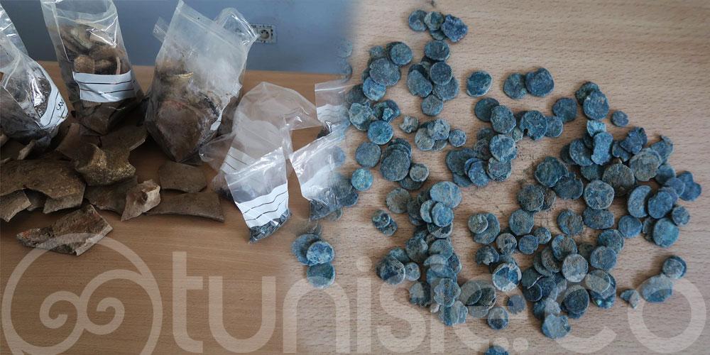 بوسالم : العثور على كمية من الخزف والرماد والعظام البشرية والحيوانية و العملة البرنزية