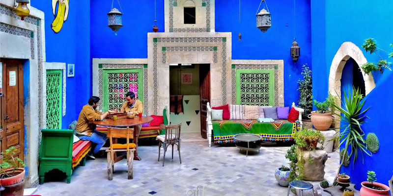 Savourer la culture dans une belle tasse de café à Sousse !