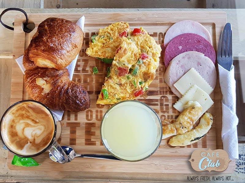 cafeclub-030717-4.jpg