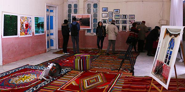 En vidéo : Le Casino de Hammam Lif se transforme en galerie d´art avec l´exposition 3ini 3ala Tounes