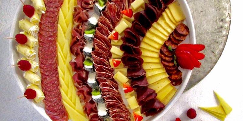 Ces plateaux de charcuteries et fromages qui séduiront vos convives le soir du réveillon