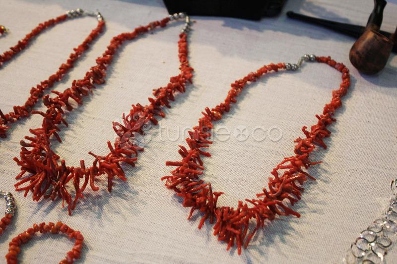 Bijoux corail or