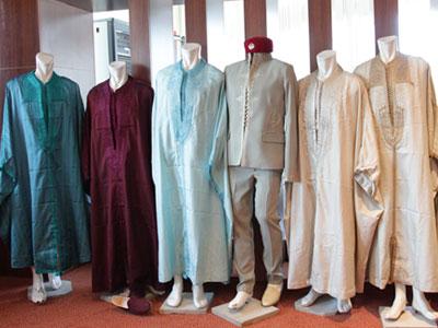 بالصور : تعرفوا علی اللباس التقليدي للمنتخب الوطني لكرة القدم