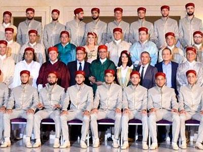 صور المنتخب الوطني لكرة القدم بالزي التقليدي الرسمي للمونديال