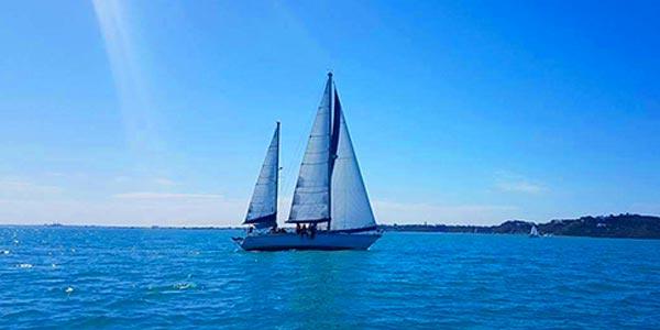 Découvrez en 5 photos le voilier Délices