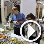 Ambiance de Dhawakni wen Dhawkek, action gastronomique et culturelle à la Médina de Tunis