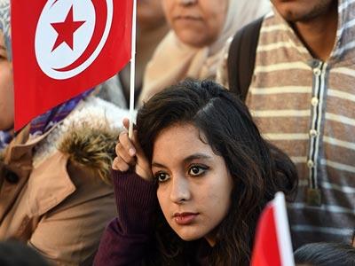 Une évasion visuelle vigoureuse : Des Yeux des Tunisiennes qui disent tout