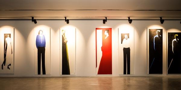 L'exposition LE NOIR EST BLANC de Ahmed Zelfani à la galerie Musk and Amber