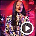 En vidéos : Hindi Zahra et Yuma enflamment la scène du Festival de Hammamet