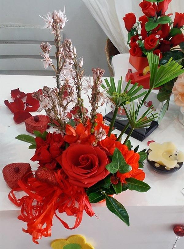 en photos 7 adresses pour acheter des fleurs pour la saint valentin. Black Bedroom Furniture Sets. Home Design Ideas