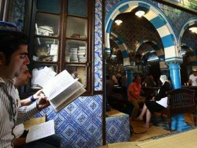 En photos : Djerba reprend des couleurs avec l'arrivée des pèlerins de la Ghriba