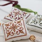 Héla Chadi ou l'art de la broderie sur le tissu malti