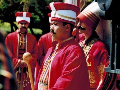 Les janissaires turcs participent au Festival de La Médina