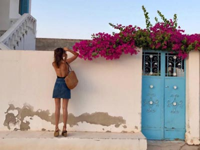 En photos : La It Girl parisienne Jeanne Damas sous le charme de la Tunisie