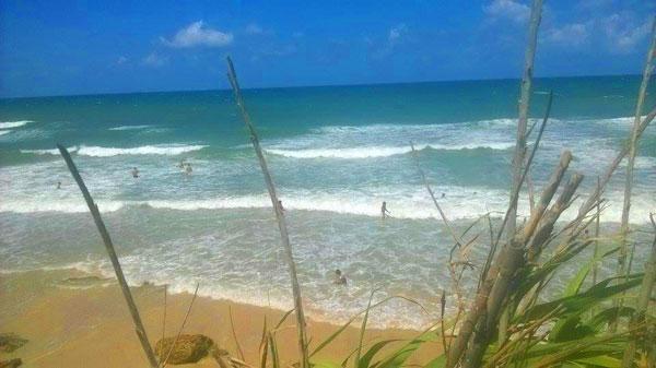 En photos : Défier les vagues, l´un de sports préférés à Ras Jebel