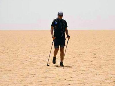 Il tente la traversée de Chott Jérid en solo et à 50 Degrés