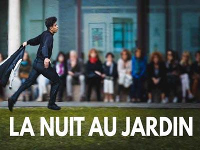 Quand le jardin de la sublime résidence de France prend vie avec le cinéma, la musique et la poésie.