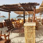 Rupture du jeûne pieds dans l´eau au Madera Lounge & Restaurant