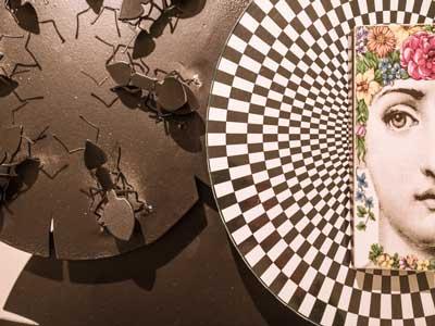 En photos : Exposition Légèreté Métallique de Insaf Saada