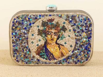 De la Micro-mosaique tunisienne dans la conception de pochettes de luxe