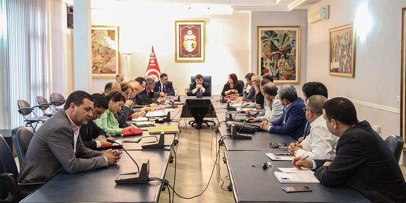 جلسة عمل لروني الطرابلسي مع الجامعة التونسية لوكالات الأسفار