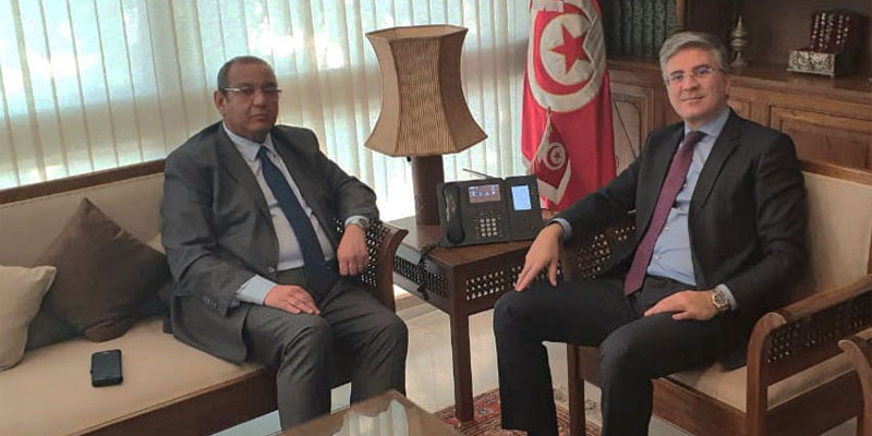 وزير السياحة والصناعات التقليدية يلتقي السيد سمير ماجول