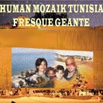Mosaïque Humaine sur une peinture géante de 144 m² sur le mur du Fort de Hammamet ce 15 juin
