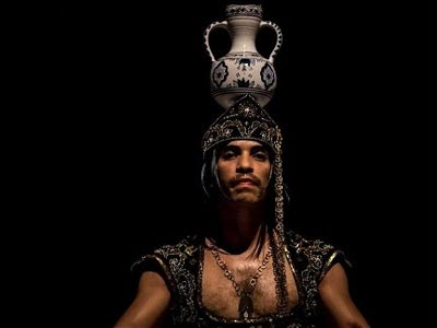 En vidéo : Ouled Jellaba de Rochdi Belgasmi au Théâtre El Hamra