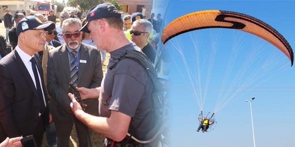 En vidéo : l'Ambassadeur de France à la découverte des paramoteurs au Meeting Aérien à Zaghouan