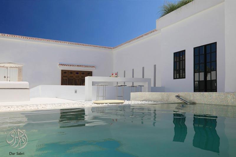 En photos les plus belles piscines des maisons d 39 h tes for Salon a manger tunisie