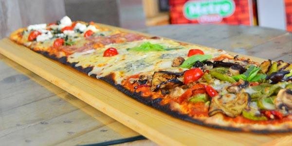 Envie d'une pizza au mètre pour un dîner convivial et original ? Les adresses Tunisie.co