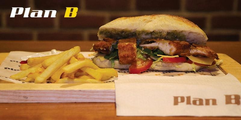 En vidéo : Détails et prix des sandwichs Plan B Boumhal