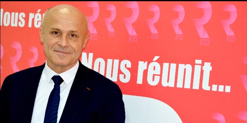 Olivier Poivre d'Arvor : Moi, je voyage toujours sur Tunisair !