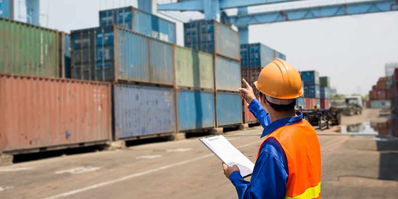 تنفيذ مشروع التصرف الالكتروني في وحدات الشحن ومسطحات ميناء رادس
