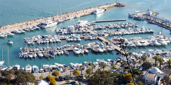Selma Elloumi annonce aux investisseurs que le port de Sidi Bousaid sera totalement rénové