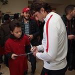 Les jeunes fans du Paris Saint-Germain rencontrent leurs héros