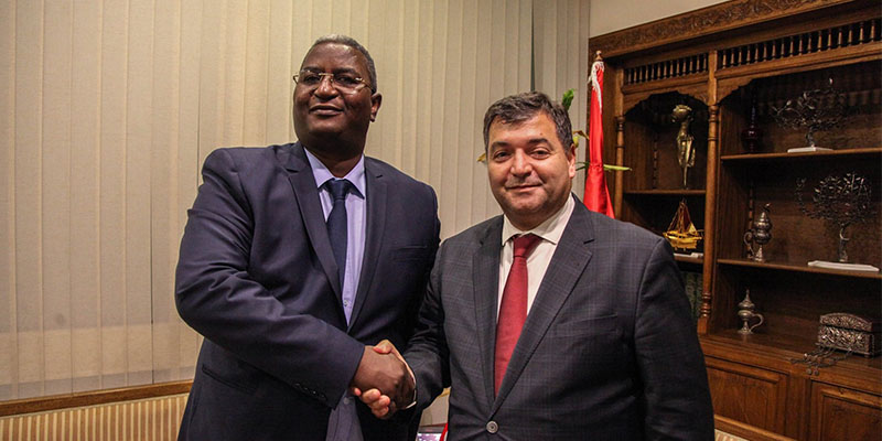 لقاء وزير السياحة والصناعات التقليدية روني الطرابلسي بنظيره الجزائري