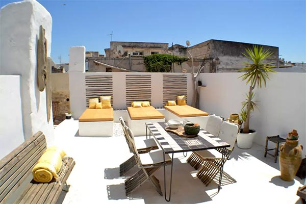 Le palais rock the kasbah la m dina de tunis l 39 incarnation du style branch de philippe xerri - Rock the kasbah deco ...