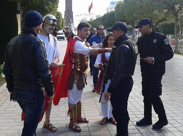 En photos : Les romains prennent d'assaut l'Avenue Habib Bourguiba