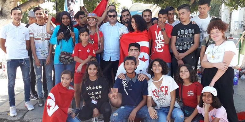 René Trabelsi participe à la campagne nationale de propreté à Houmet Souk